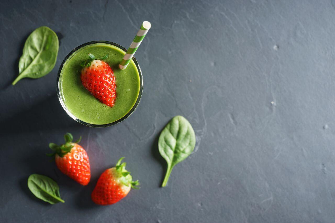 Spinach Strawberry Alkaline Smoothie