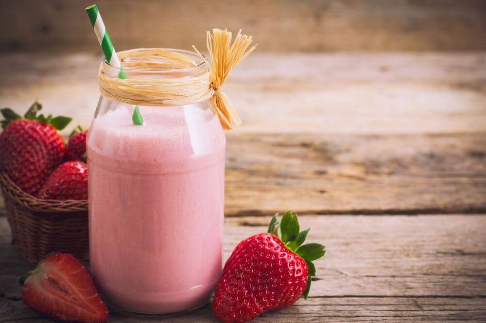 Strawberry Almond Milk Smoothie