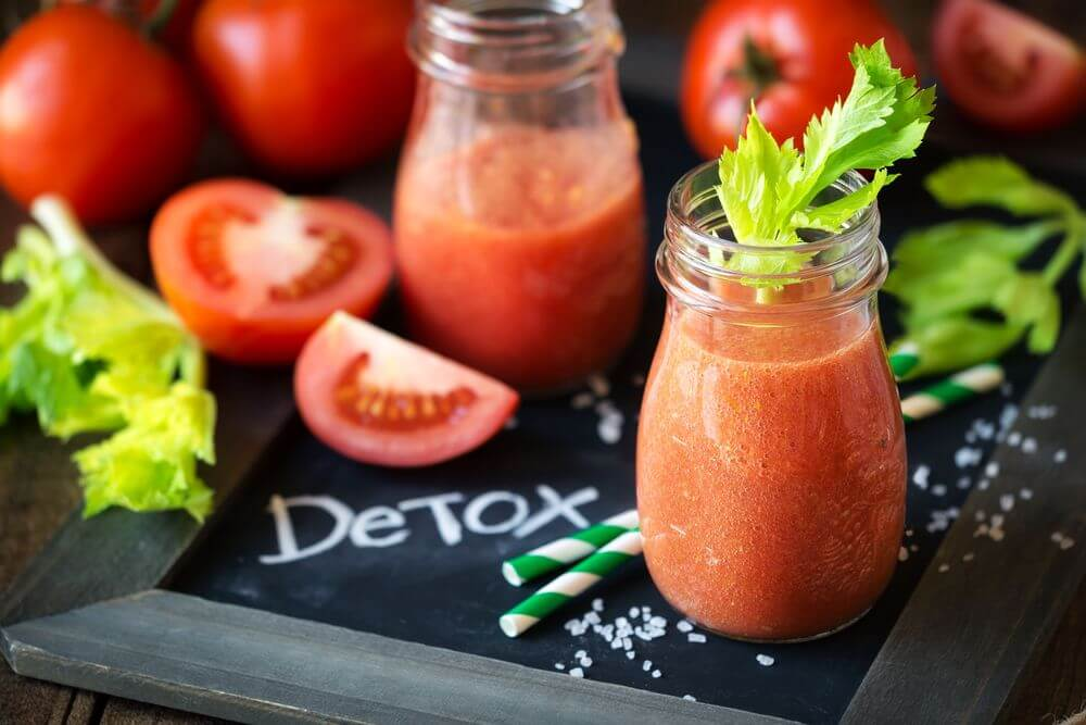 Tomato Celery Smoothie to Lose Weight