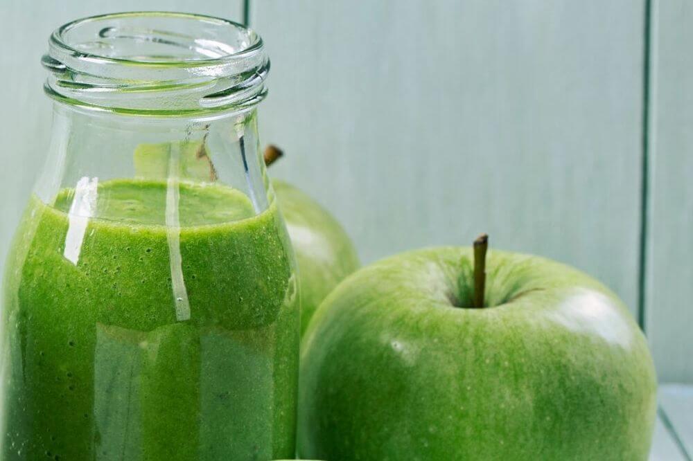 Apple Arugula Smoothie