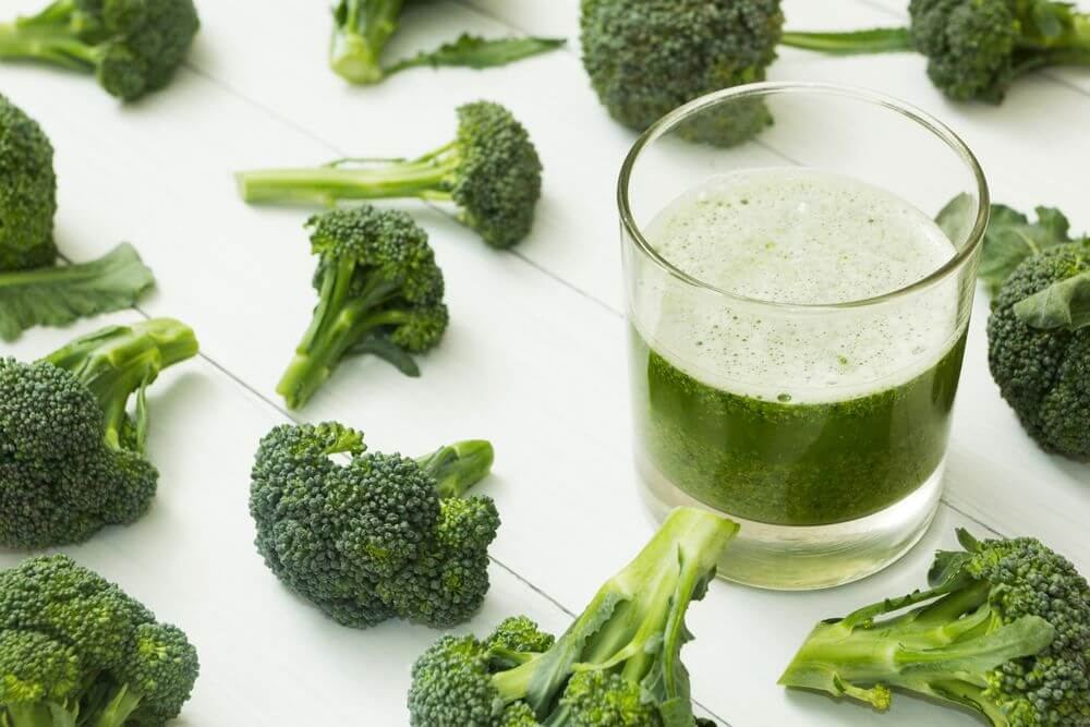 Low Calorie Broccoli Smoothie