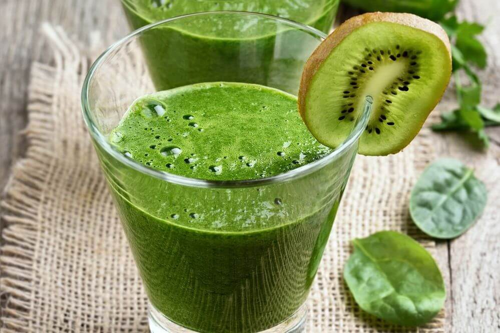 Low Calorie Kiwi Green Smoothie